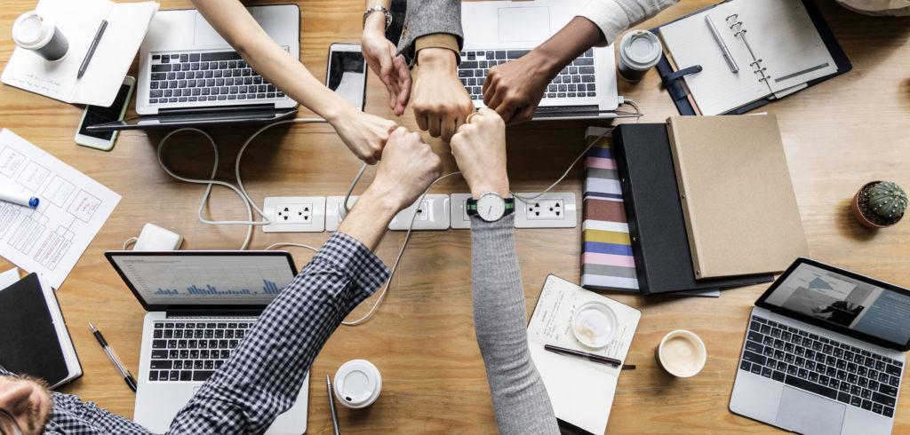 trabajo en equipo, marketing y ventas