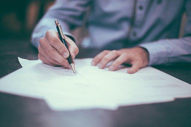 lead-firmando-contrato-por-ventas